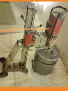 Betonboringsmaskine som JM Dansk Betonboring benytter